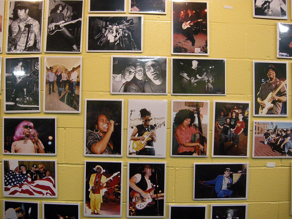 Frank DeBlase photos at Record Archive - A View From The Pit