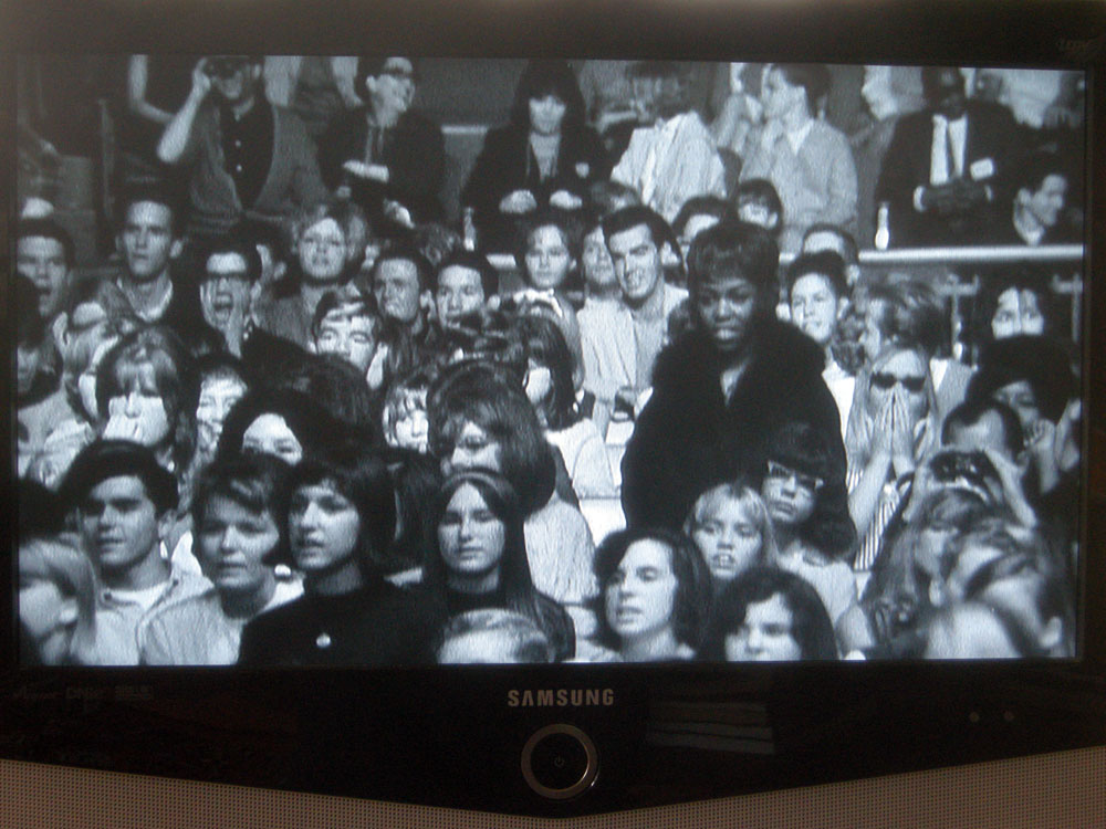 James Brown fans at 1964 TAMI show