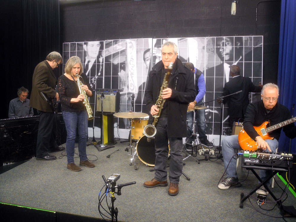 """Margaret Explosion performing in RCTV Studios for series entitled """"Pythod Remix"""""""