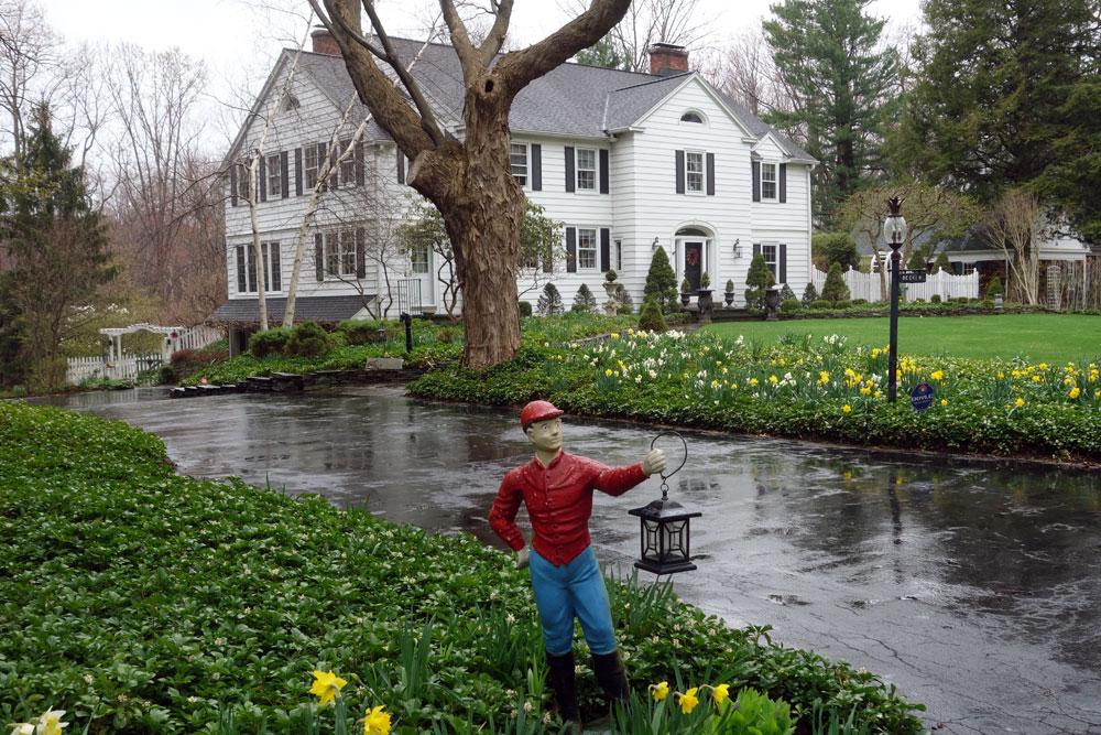 White lawn jockey, Rochester New York
