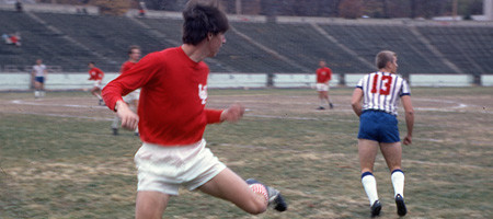 Paul Dodd playing soccer for Indiana University vs Saint Louis in 1968