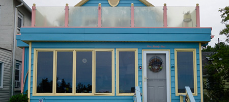 Pink and blue house on Lake Bluff Road