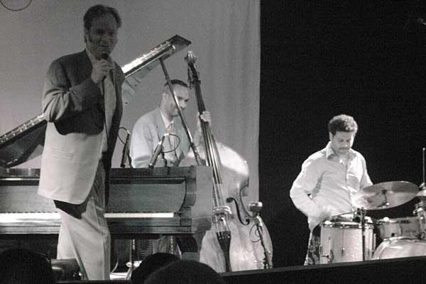 Paul Tillotson performing at the 2007 Rochester International Jazz Festival