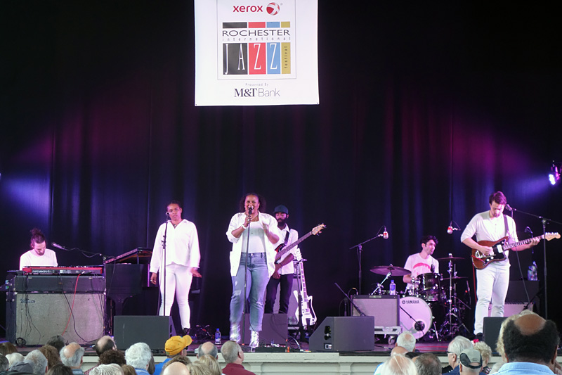 Deva Mahal performing at the 2018 Rochester International Jazz Festival