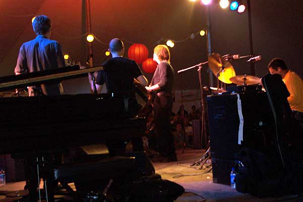 Mike Stern performing at the 2004 Rochester International Jazz Festival