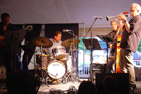 Paul Smoker performing at the 2005 Rochester International Jazz Festival