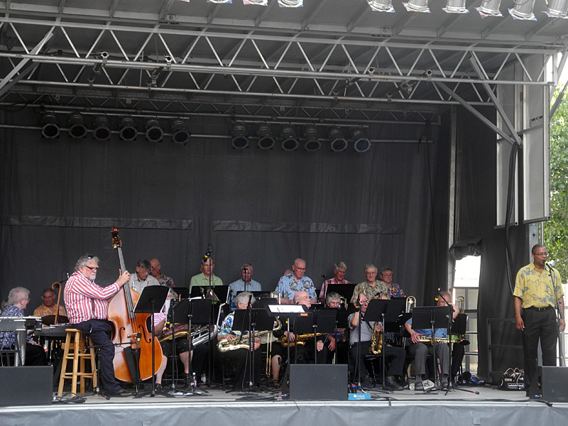 New Horizons Vintage Jazz performing at the 2013 Rochester International Jazz FestivalBand