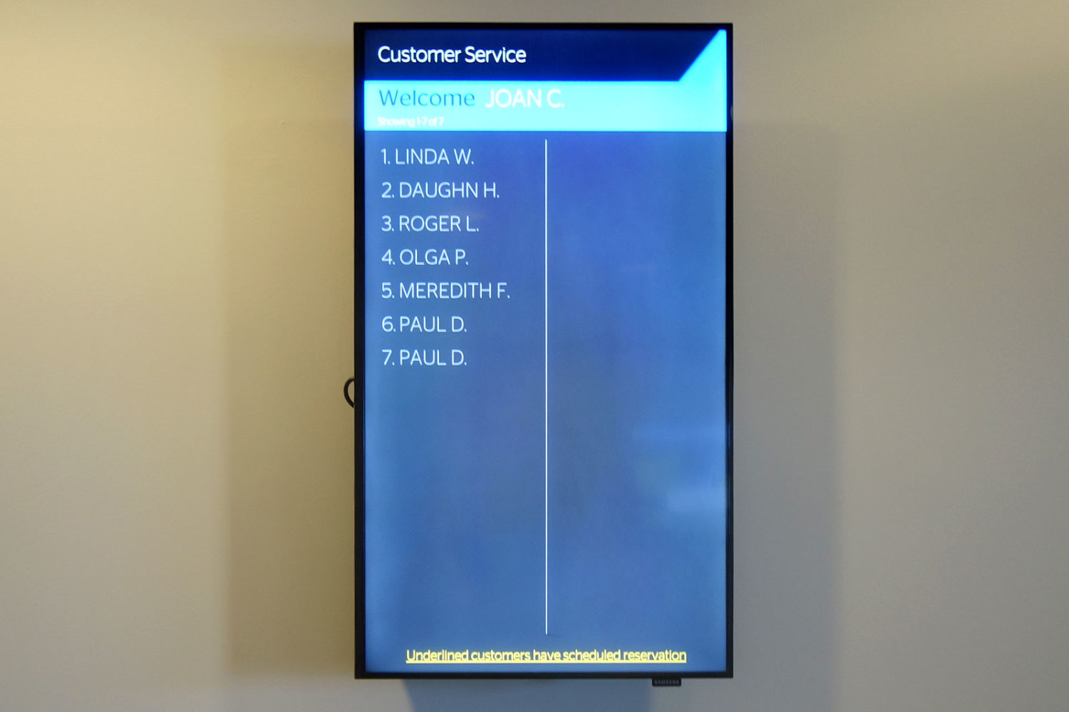 Sign-in board at Spectrum TV customer service