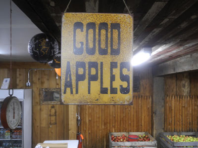 Good Apples Sign at Schutt's in Webster, NYs