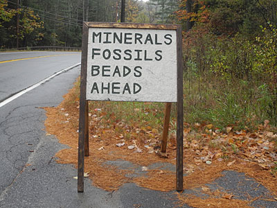 Minerals Fossils Beads Sign
