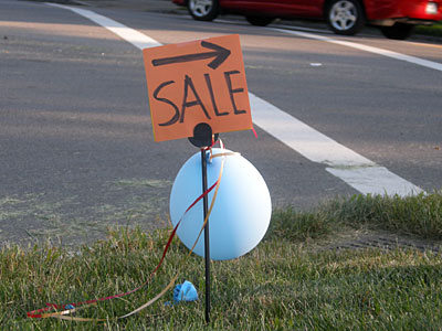 Sale sign with Balloon