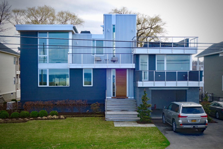 Modern house on Lake Road in Webster