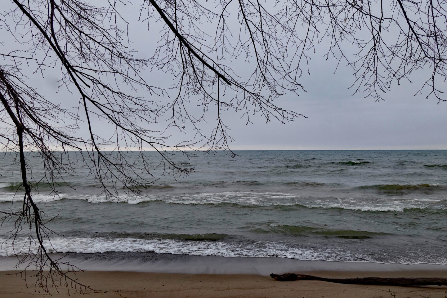 Gentle waves on Lake Ontario
